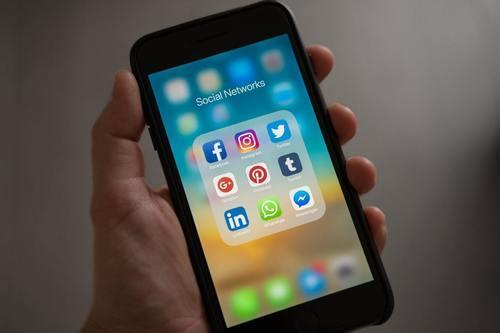 Sosiaalinen media markkinoinnin välineenä